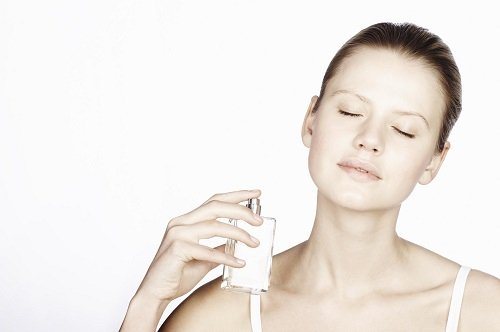 nanoszenie perfum