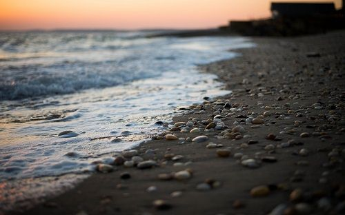 kamienista plaża