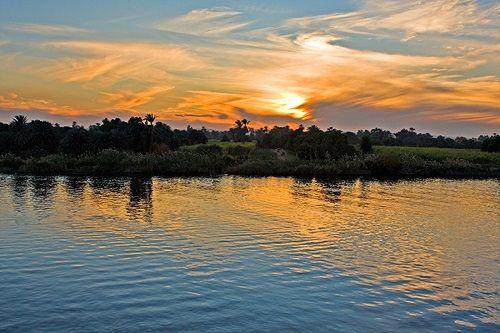 zachód slońca nad deltą Nilu