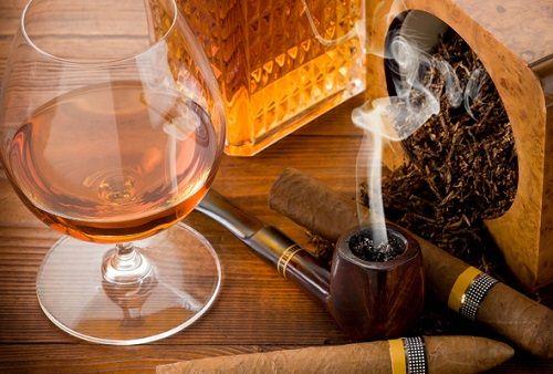 koniak, tytoń i fajka